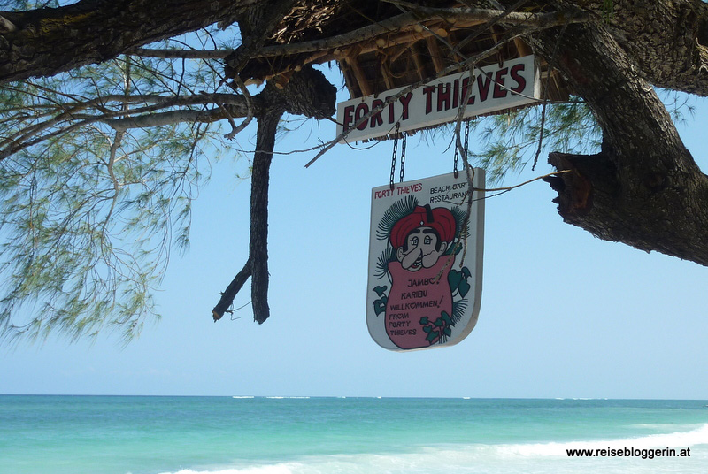 Forty Thieves Bar in Kenia