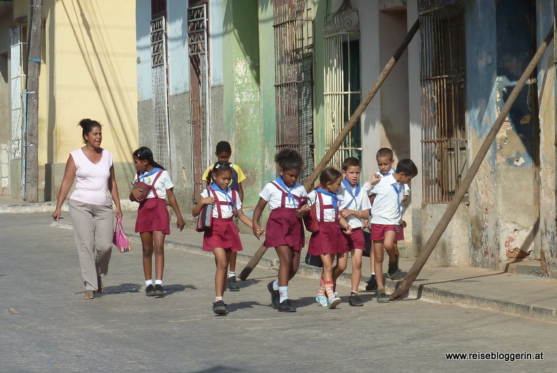 Schulkinder in Kuba