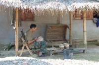 Ein Handwerker in Laos