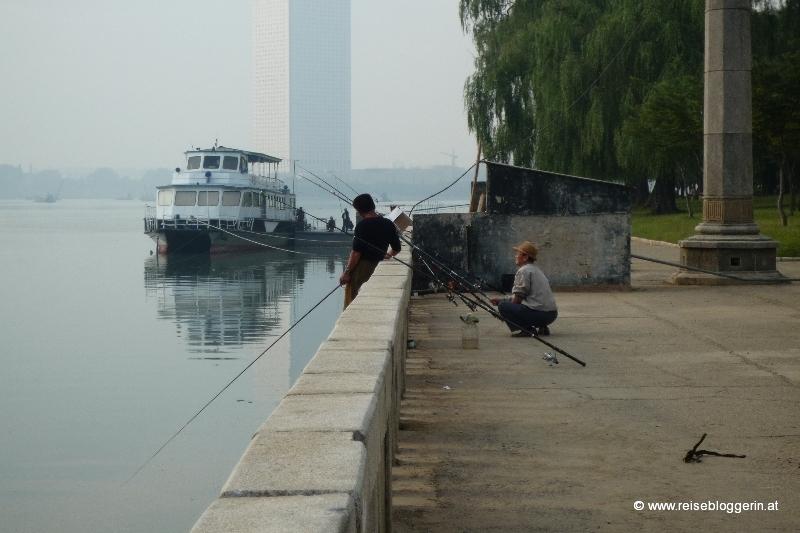ein Fischer am Taedong