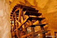 Ein Mühlenrad im Pilsner Untergrund