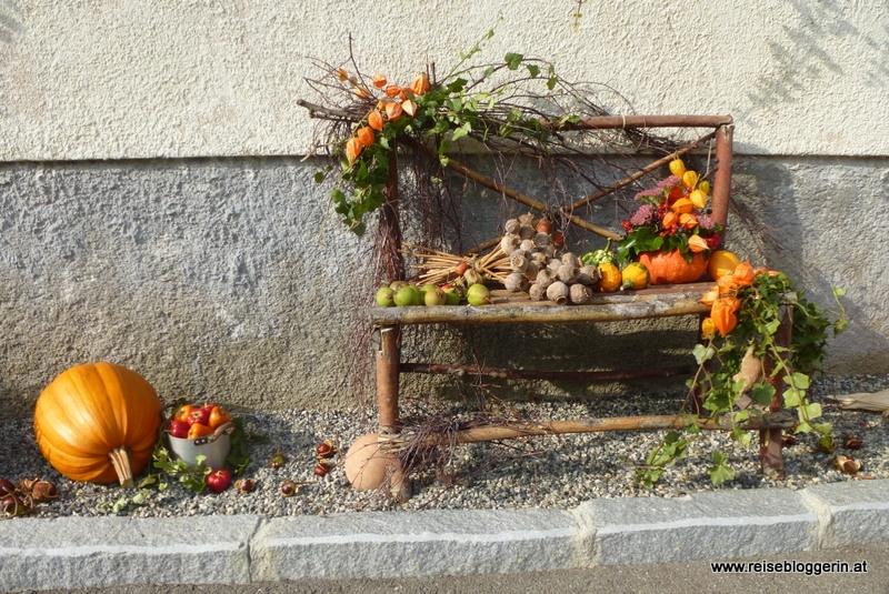 Herbstdekoration im Mohndorf