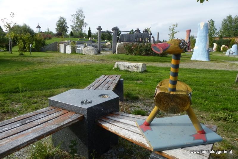 Im Garten vom Kunstmuseum Waldviertel in Schrems