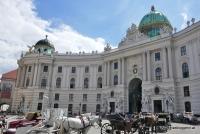 Der Michaelerplatz mit der Hofburg