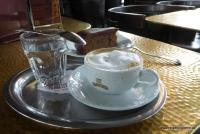 Eine Melange im Wiener Kaffeehaus