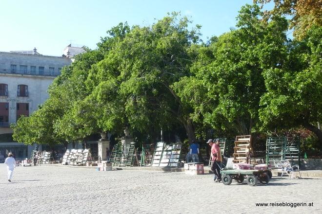 Plaza de Armas in Havanna mit den Buchverkäufern