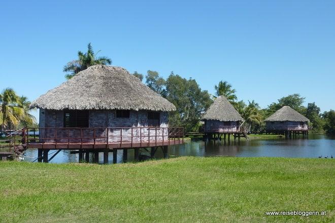 Villa Guama - Hotelhäuser auf Stelzen