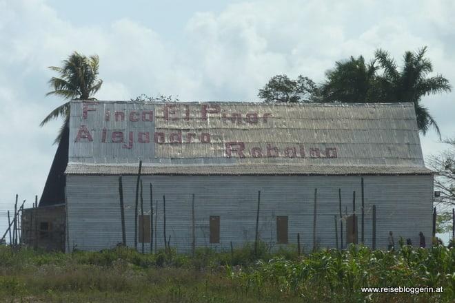 Werbetafel zur Casa Alejandro Robaina