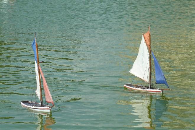 Kleine Boote im Jardin du Luxembourg