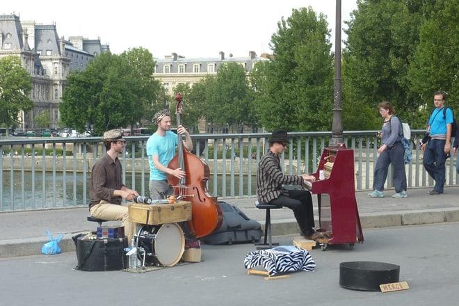 Strassenmusiker in Paris