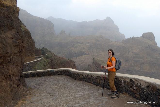 Die Reisebloggerin beim Wandern auf den Kapverden