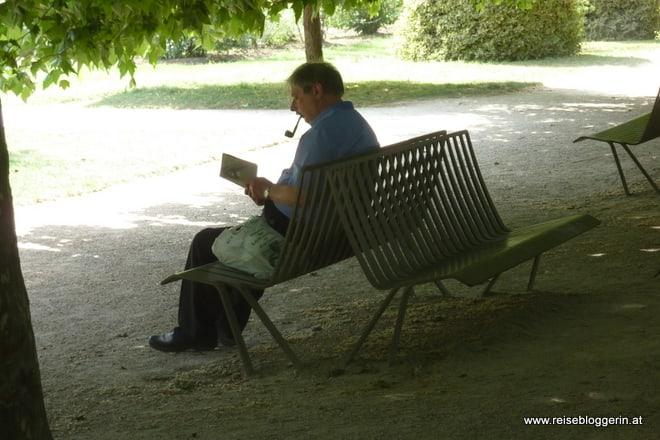Ein Pariser im Jardin des Plantes