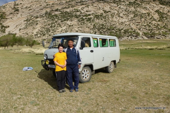 Dasha, Una und ein russischer Kleinbus