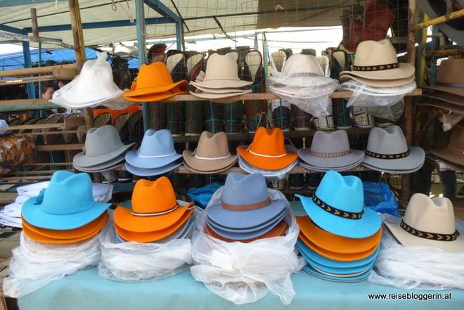 Hüte am Schwarzmarkt in Ulaanbaatar