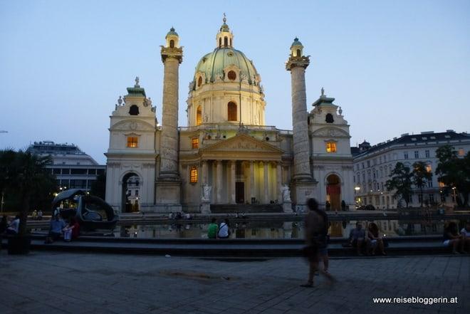 Karlsplatz mit Karlskirche