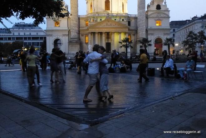 Tango tanzen am Karlsplatz