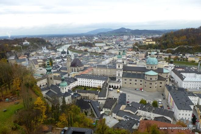 Blick auf die Altstadt in Salzburg (Salzburger Dom, Salzach)