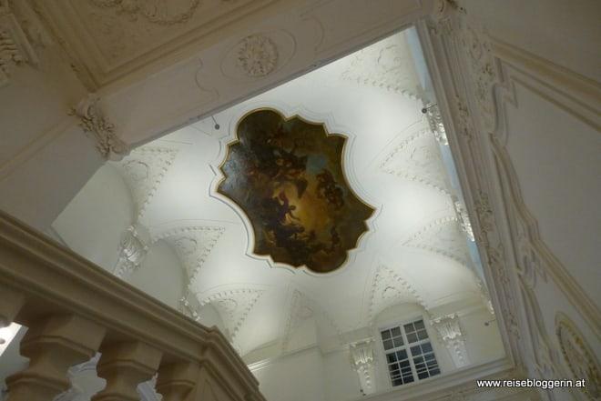 restauriertes Deckengemälde im Winterpalais
