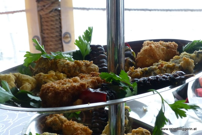 gebackene und frittierte Muscheln