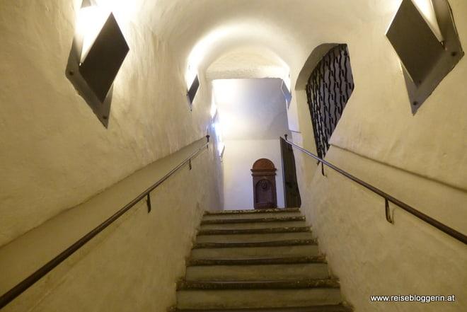 im Treppenhaus in Mozarts Geburtshaus