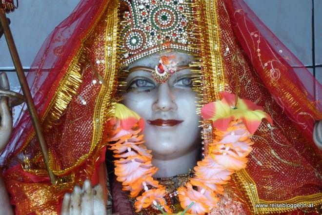 Hinduistische Gottheit in einem Tempel in Mauritius
