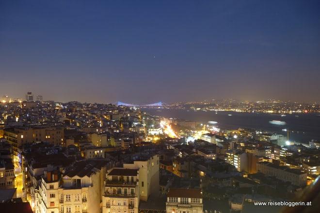 Blick auf die Bosporusbrücke