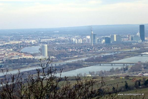 Blick auf die Alte Donau, die neue Donau und den Donauturm