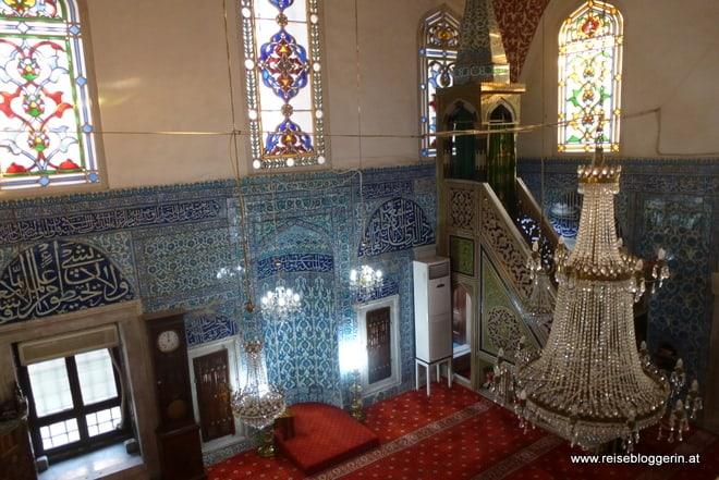 Die Cinili Moschee von innen