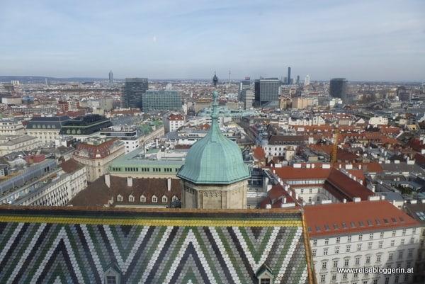 Ganz hinten sieht man den Donauturm
