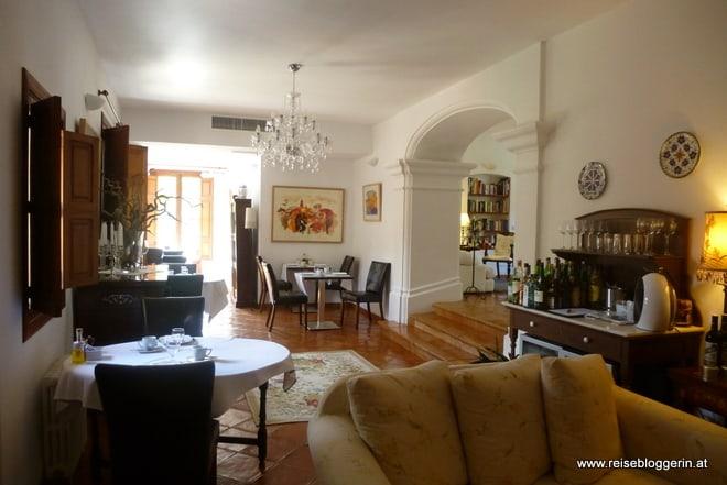 Wohnzimmer mit Hausbar