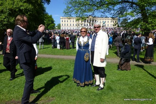 die Trachten der Norweger