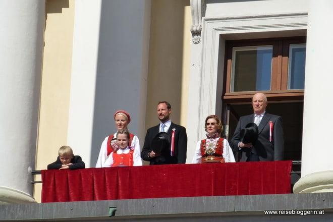 Die norwegische Königsfamilie: Kronprinzessin Mette-Marit, Kronprinz Haakon, Königin Sonja und König Harald