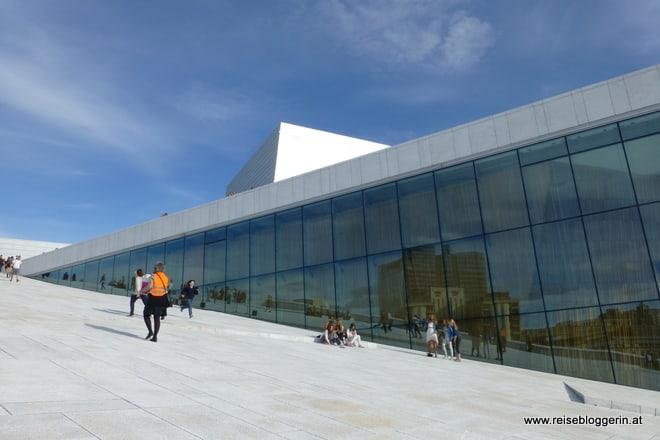 Die Osloer Oper am Hafen