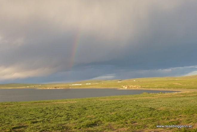 Ein Regenbogen in der Mongolei - Ursula Waba