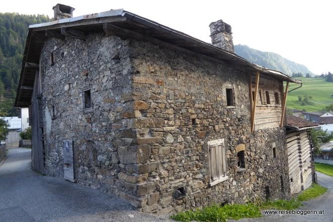 Das Jooshuus ist aus Steinen gebaut