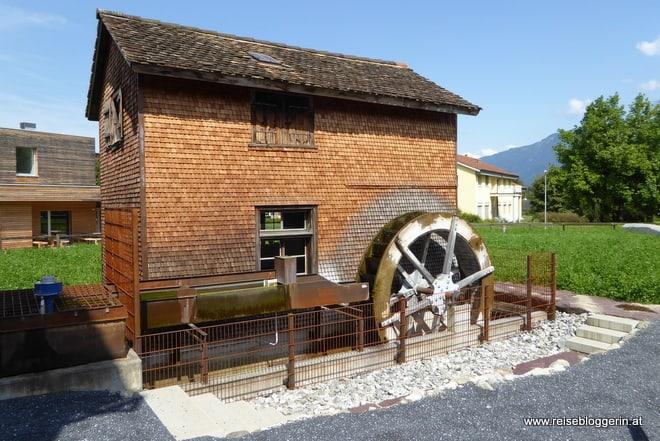 Messerschmiede Roth mit Mühlenrad
