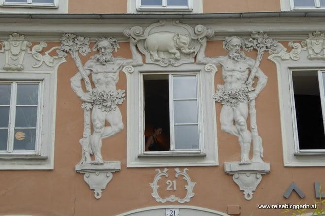 Hausfassade am Hauptplatz in Linz