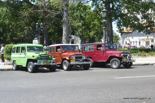 die bunten Oldtimer in Havanna