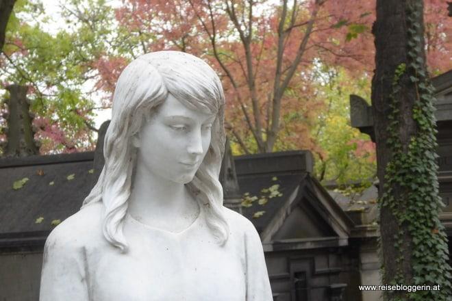 Statue Père Lachaise