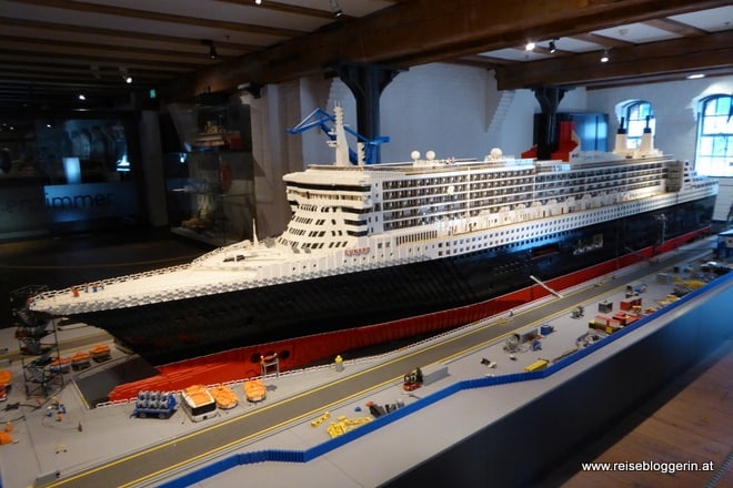Queen Elizabeth II in Lego