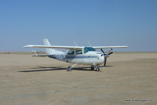 Flugzeug in Namibia