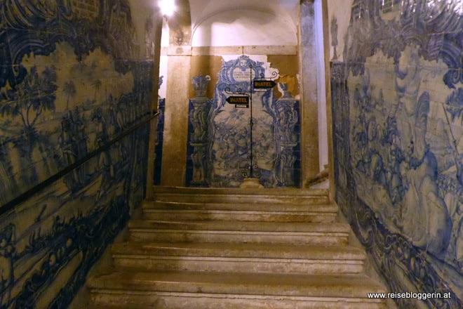 Azulejos in einem Haus in Lissabon