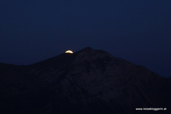 Der Mond geht unter