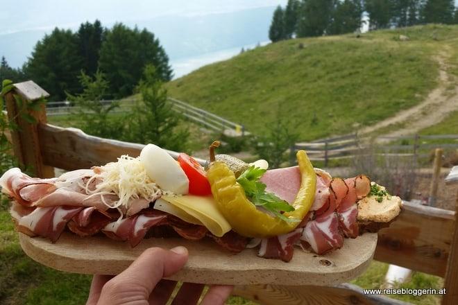 Jausenbrot auf der Lammersdorferhütte
