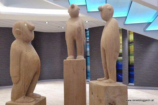 Kunst auf Mein Schiff 4 - Holzskulpturen von Jonas Kötz
