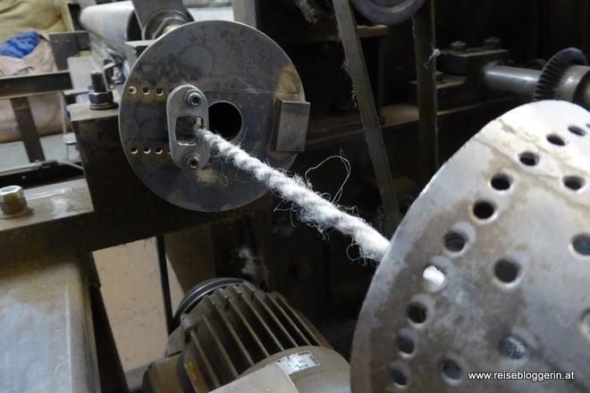 Maschinen im Schafwollzentrum
