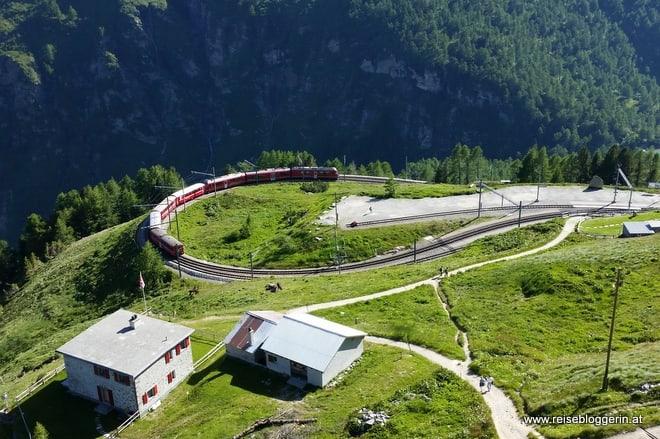 Rhätische Bahn in Alp Grüm