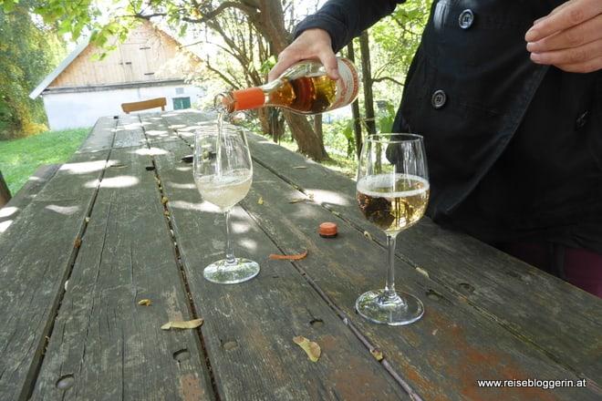 Weintrinken im Wenviertel