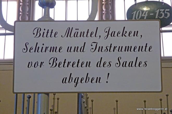 Garderobe im Mozarteum