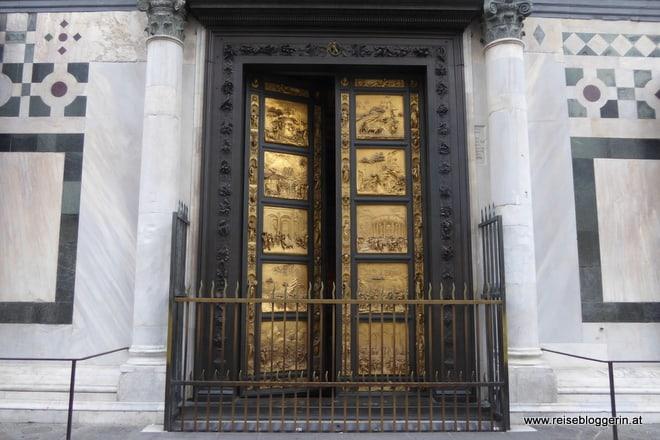 Die Tür des Baptisterium in Florenz, erschaffen von Ghiberti